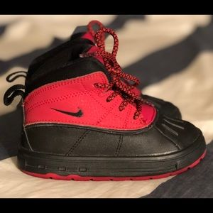 Nike ACG Woodside 2 High boots